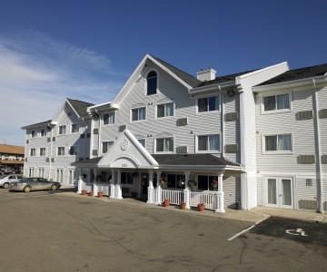 Country Inn & Suites Regina Hotel