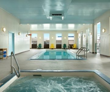 Travelodge Edmonton Pool